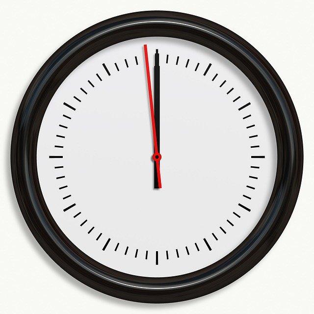 clock 163580 640