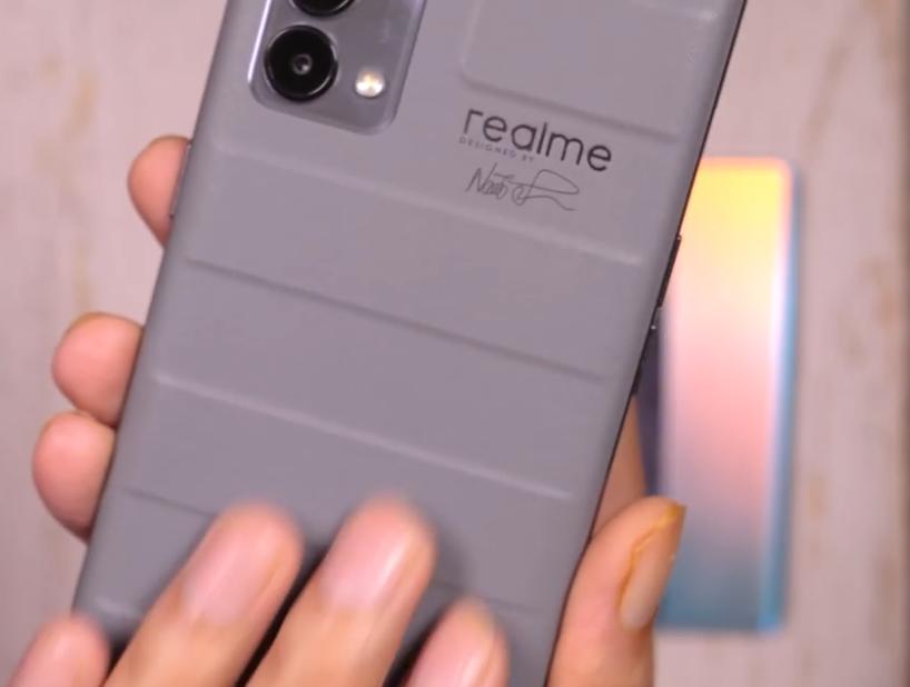 Realme GT Master vs Realme X7 Max in Hindi